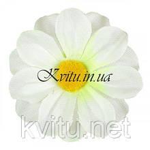 ОПТ  - Искусственная Ромашка белая с ворсистой серединкой, 7см
