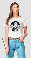 Белая женская футболка с азиатской рисовкой