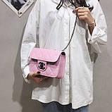 Женская классическая сумочка кросс-боди на цепочке розовая, фото 4