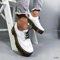 Туфли женские белые Dr.Mart кожаные. Стильные туфли. Молодежные туфли
