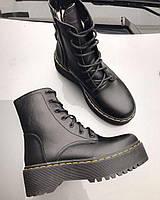 Женские ботинки с мехом в стиле dr martens черные