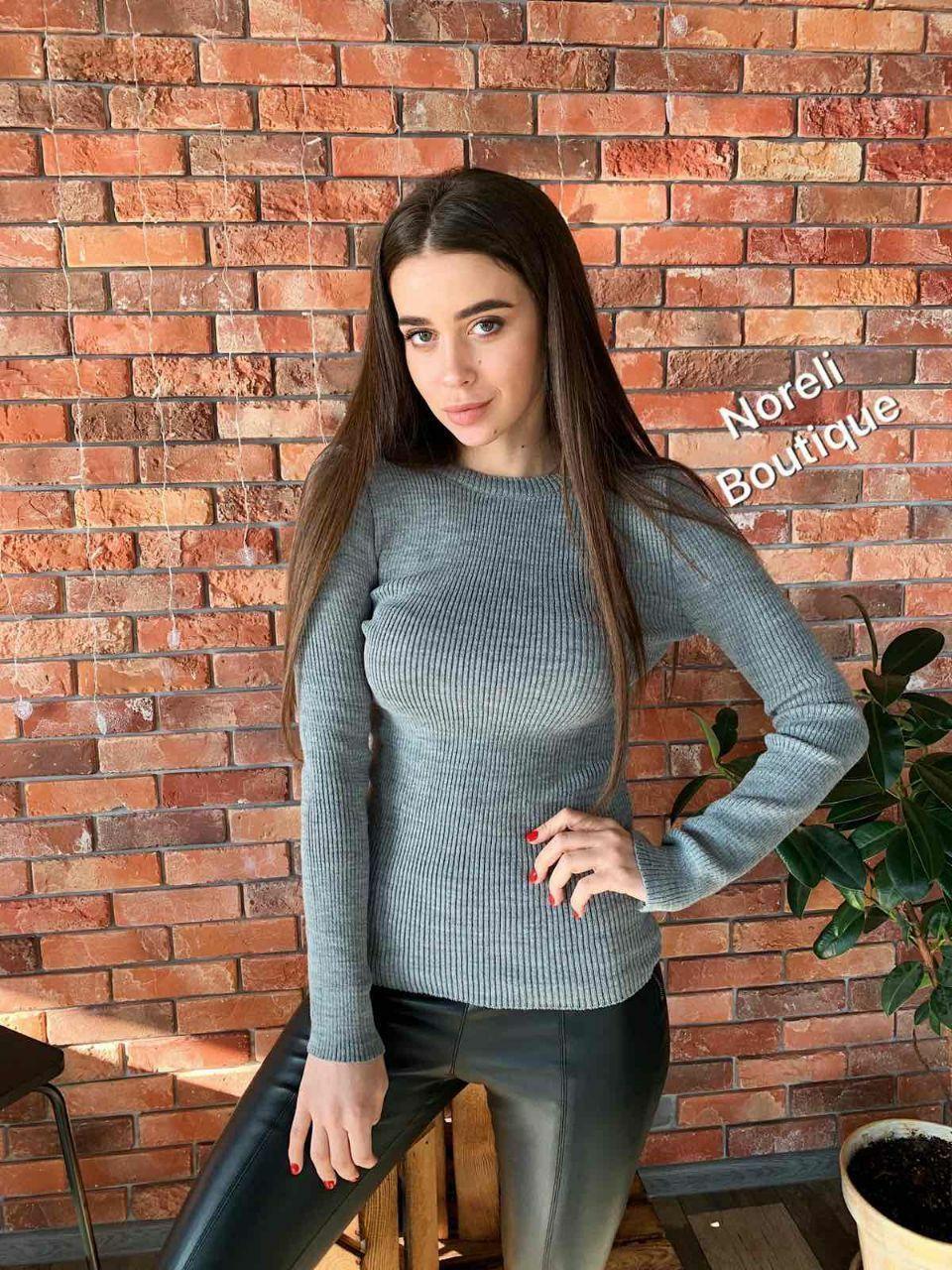 Стильный свитер гольф без горла длинный рукав