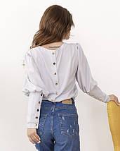 Светло-серая классическая блуза с пуговицами, фото 2