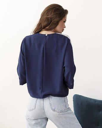 Темно-синяя крепдешиновая блуза с блестящими вставками, фото 2