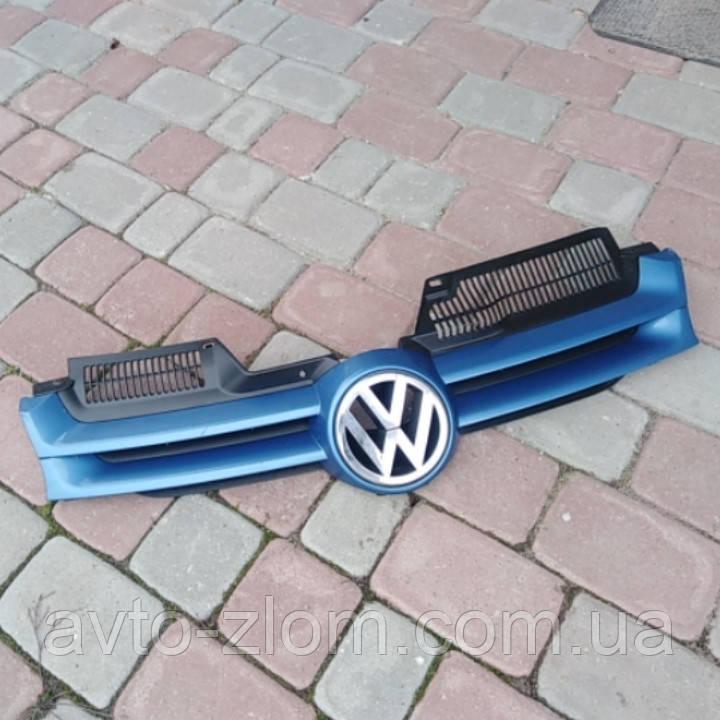Решетка радиатора Volkswagen Golf 5, Гольф 5. 1K0853651A.