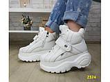 Кроссовки ботинки на высокой платформе зимние белые К2374, фото 4