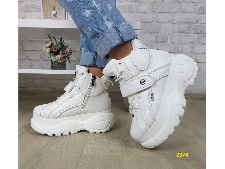 Кроссовки ботинки на высокой платформе зимние белые К2374