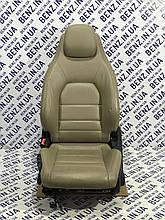 Сидение переднее левое кожа Mercedes C207, A207