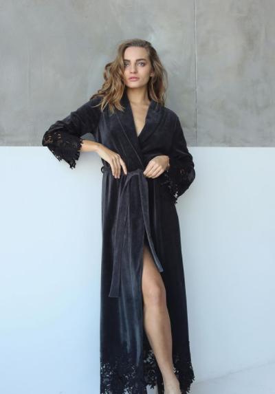 Длинный велюровый халат Suavite Marielle графит