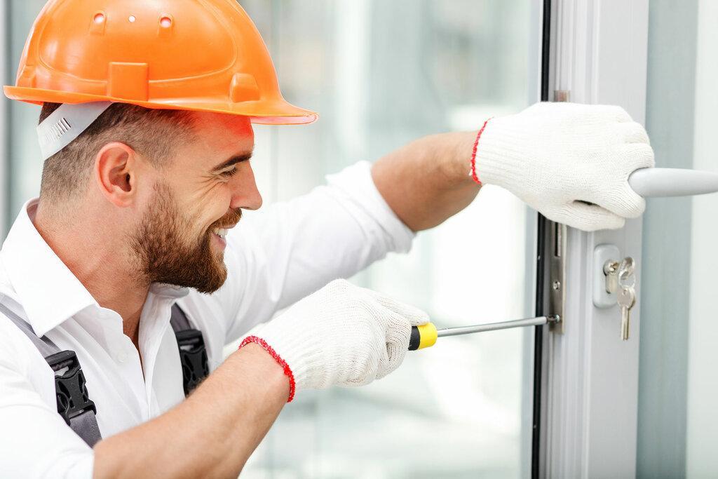 Ремонт і регулювання пластикових вікон