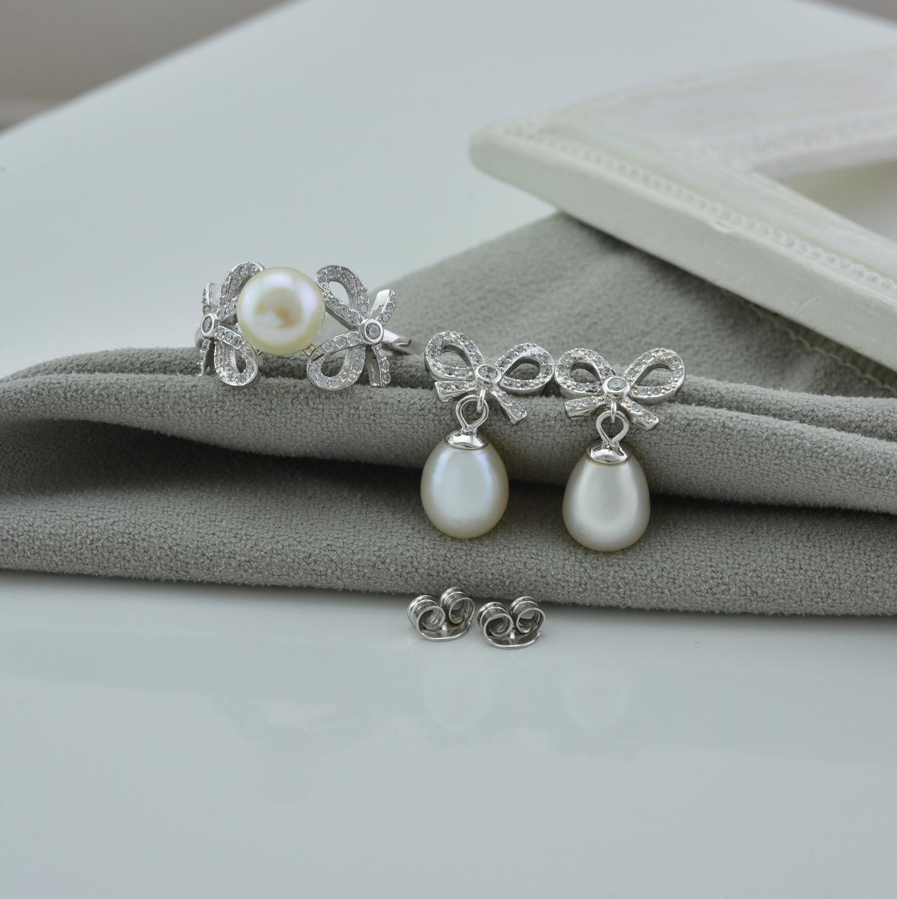 Серебряный набор кольцо размер 17 + серьги 21х11 мм вставка искусственный жемчуг белые фианиты вес 7.4 г