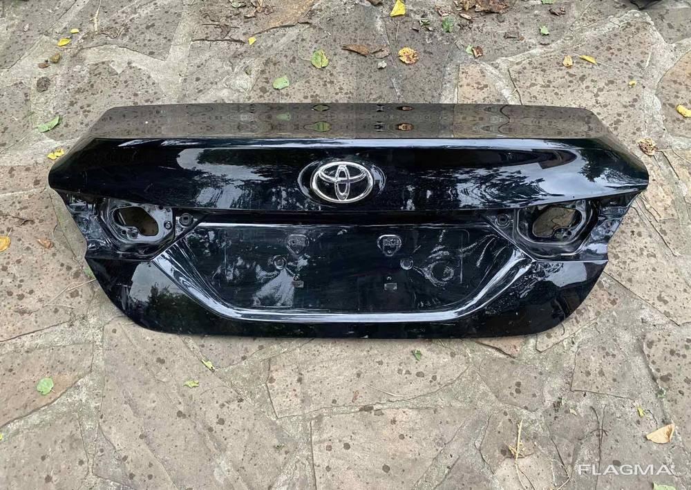 Крышка багажника Toyota Camry 70 Тойота Камри 70 6440133760 от2017-20гг оригинал