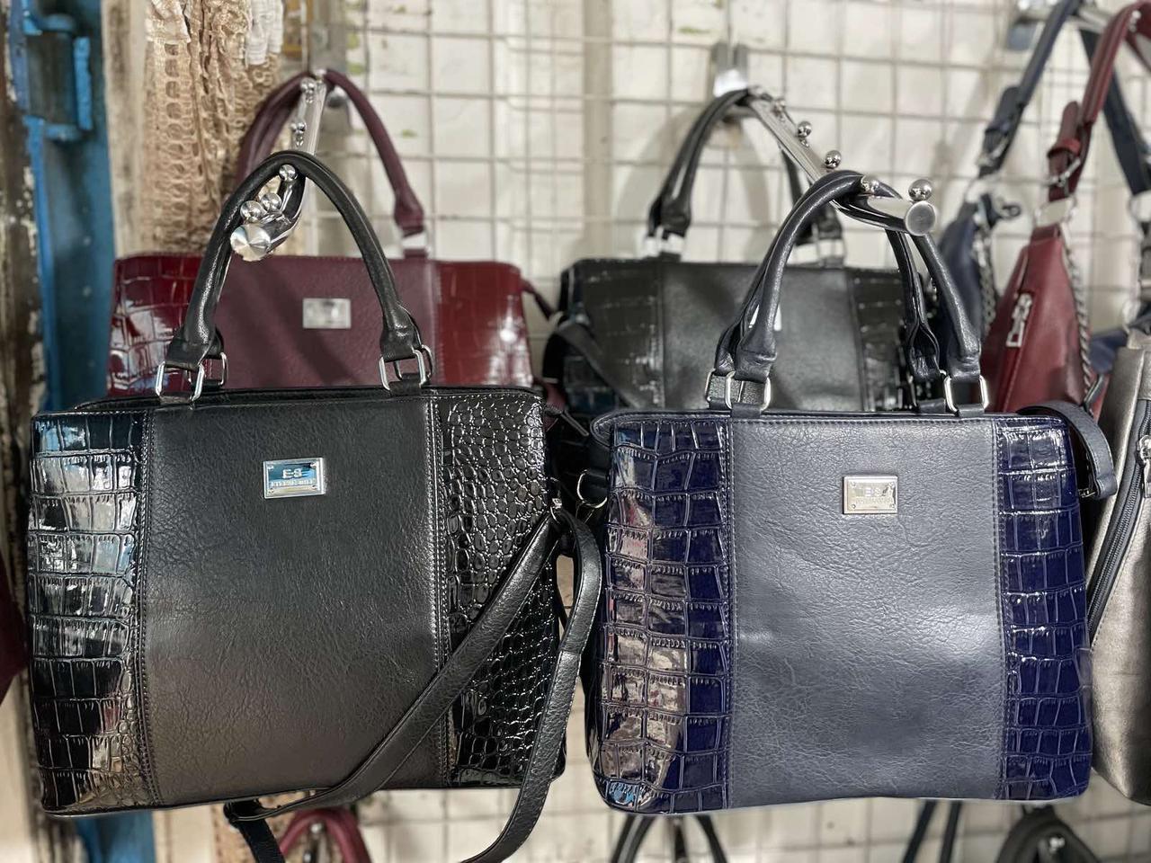 Классическая женская сумочка в разных цветах