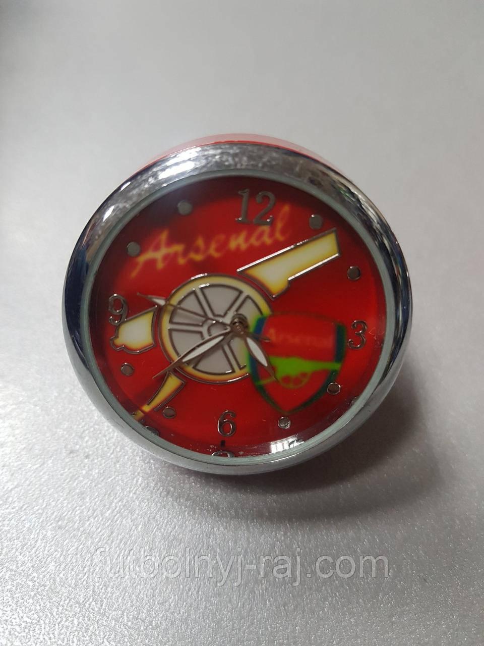 Часы настольные круглые с символикой FC Arsenal