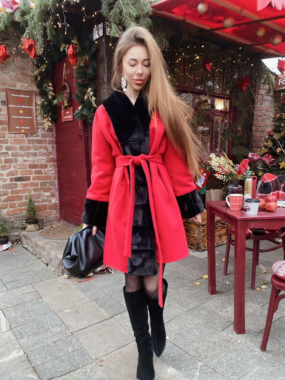 Женское теплое классическое красное пальто M