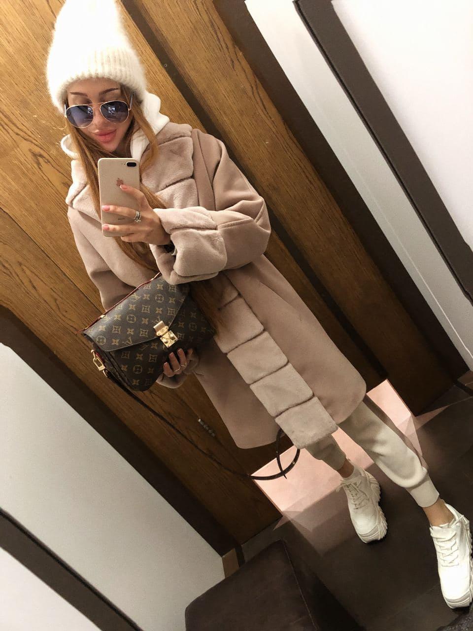 Женское теплое классическое бежевое пальто M