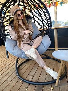 Женский теплый бежевый костюм с мехом M