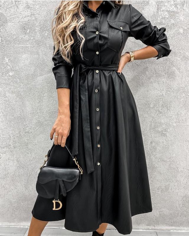 Женское кожаное расклешенное платье миди на кнопках