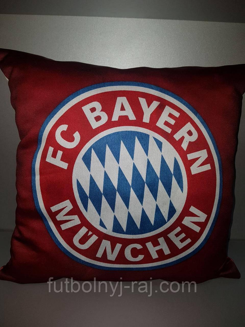 Подушка Bayern Munchen.