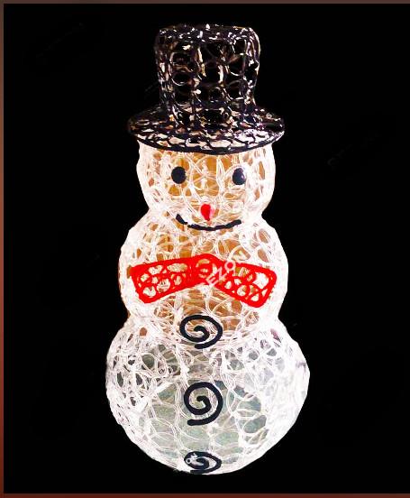 Новогодний светящийся Пирамида из акрила с черной шляпой