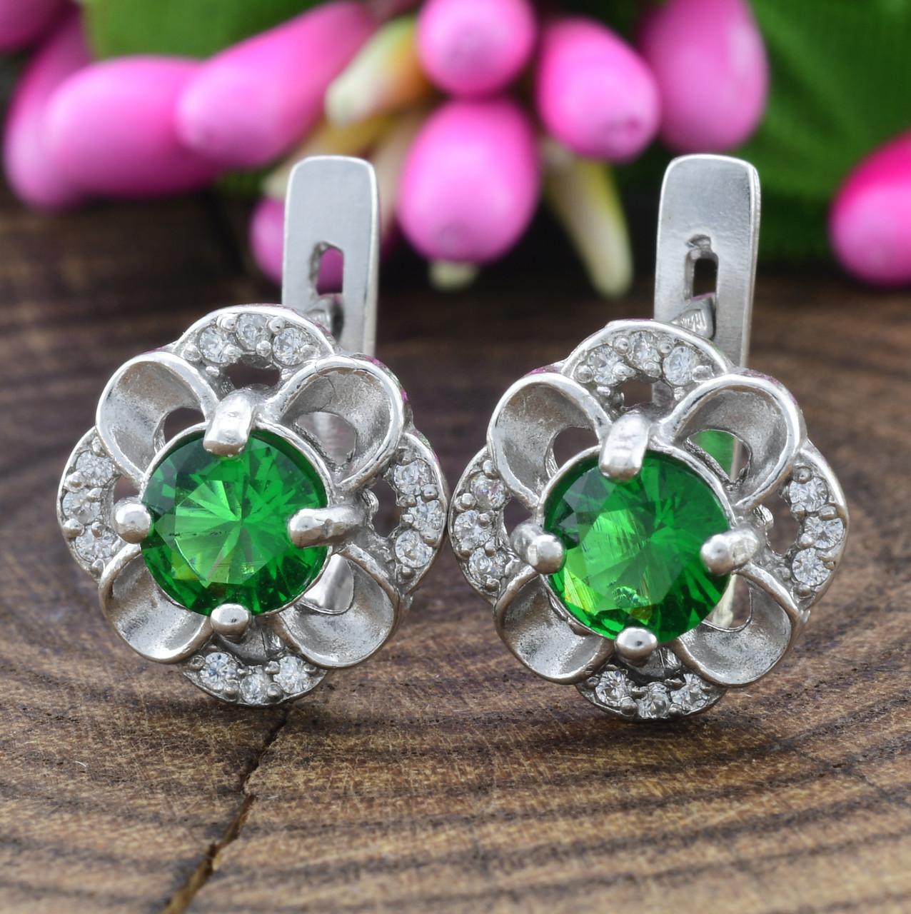 Серебряные серьги Камалия размер 12х8 мм вставка зеленые фианиты вес 3.0 г