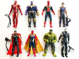 """Ігрові Фігурки """"Avengers"""", набір з 8 головних героїв - 17см, світло, рухливі."""