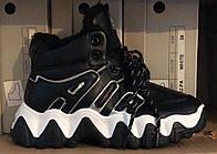 Женские ботинки на плоской подошве