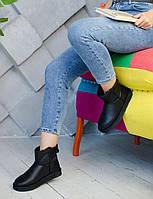 Комфортная обувь утепленная мехом для девушек UGG. Стильные зимние УГГИ женские.