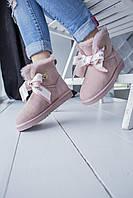 Комфортна взуття утеплене хутром для дівчат UGG з бантиком спереду. Жіночі зимові УГГІ мерехтливої кольору.