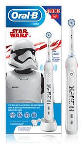 Електрична зубна щітка дитячаOral B Junior 6+ Star Wars