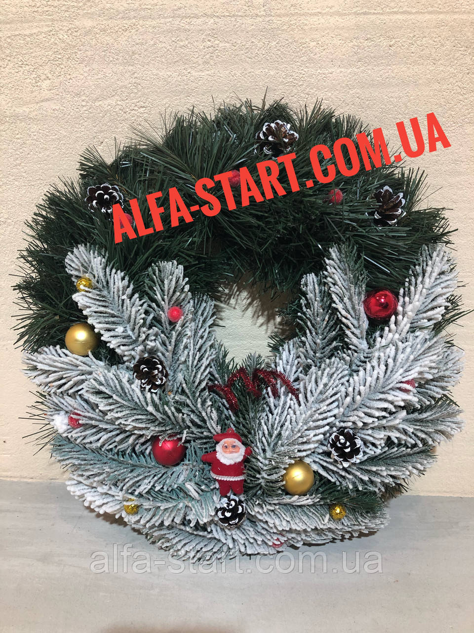 Рождественский (новогодний)венок с Дедом Морозом украшение на дверь 35см