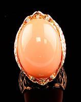 Шикарный женский перстень с крупным персиковым камнем 19 размер