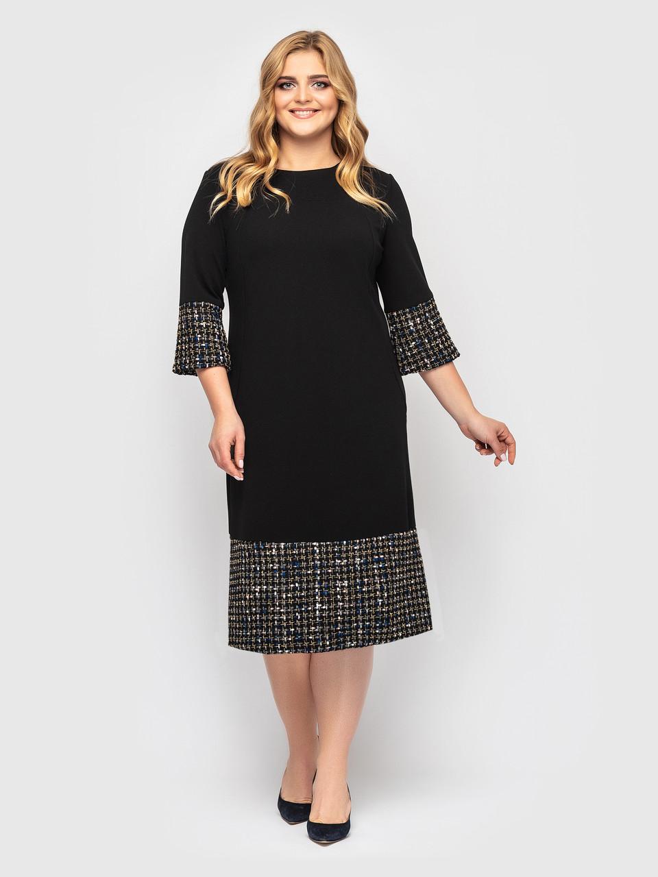 Красивое офисное нарядное платье из принтованного трикотажа Черное Большие размеры