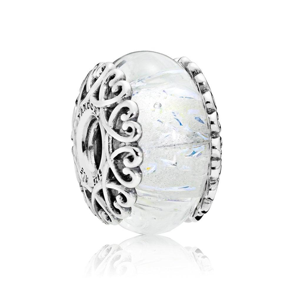 Шарм «Переливающееся белое стекло»