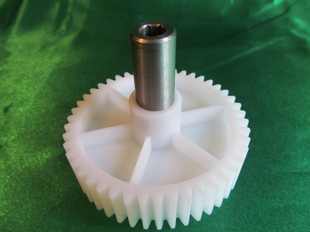 Шестерня MOULINEX D=82 смещение пластика к низу (для мясорубки и кухонного комбайна Мулинекс)
