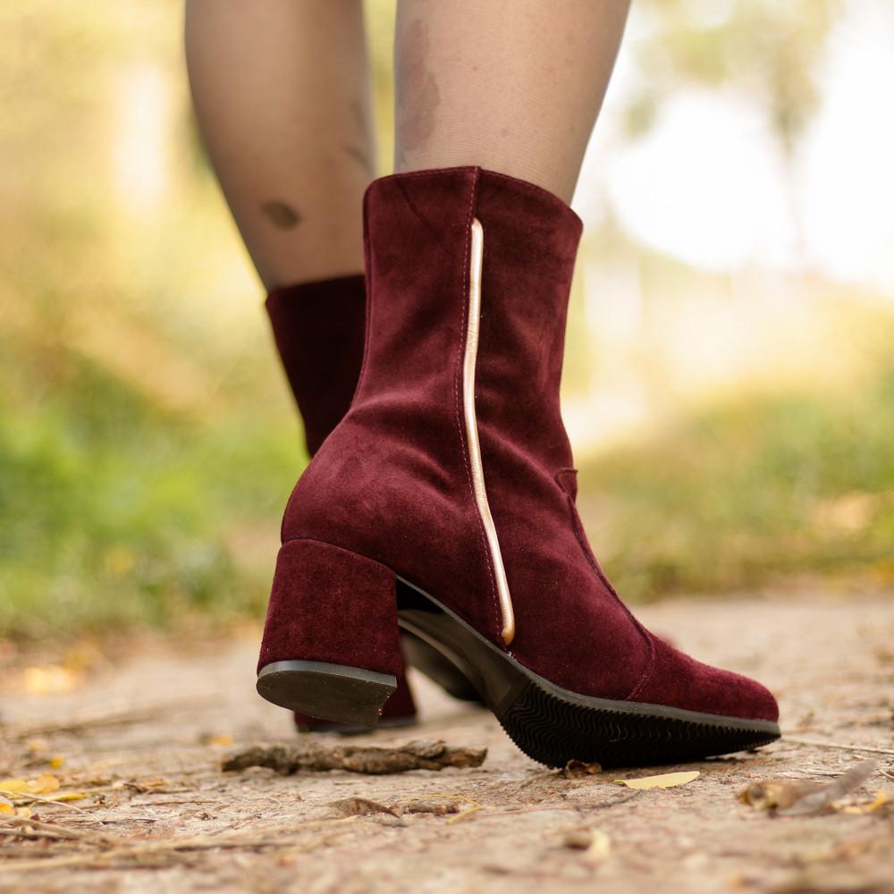 Ботинки с каблуком 6см, цвет бордо, в наличии размер 37