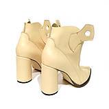 Ботинки-казаки на каблуке 8см, цвет молочный, фото 4