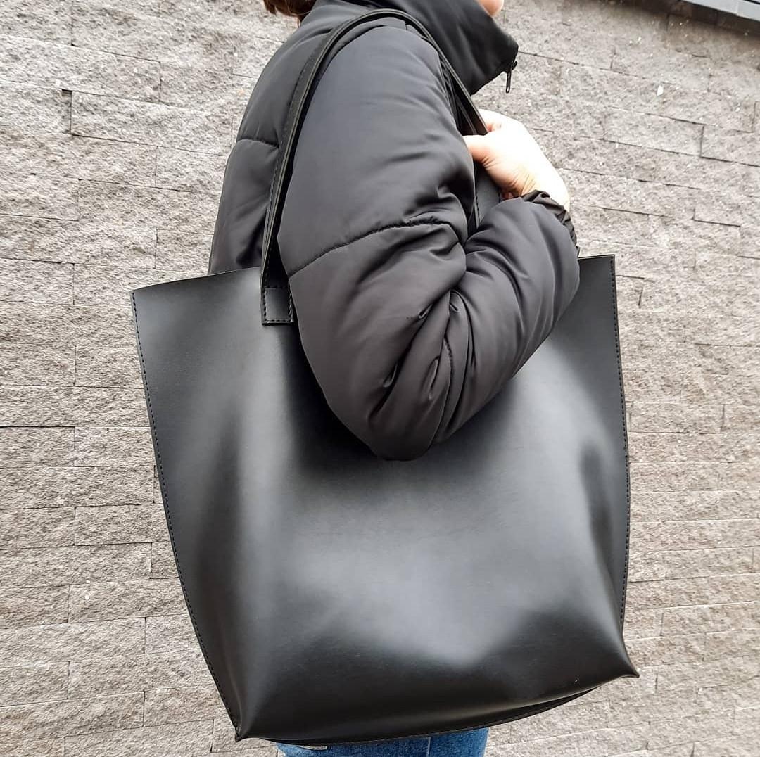 Вместительная женская сумка