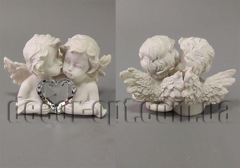 Ангелочки с кристальным сердцем 5х7х4см
