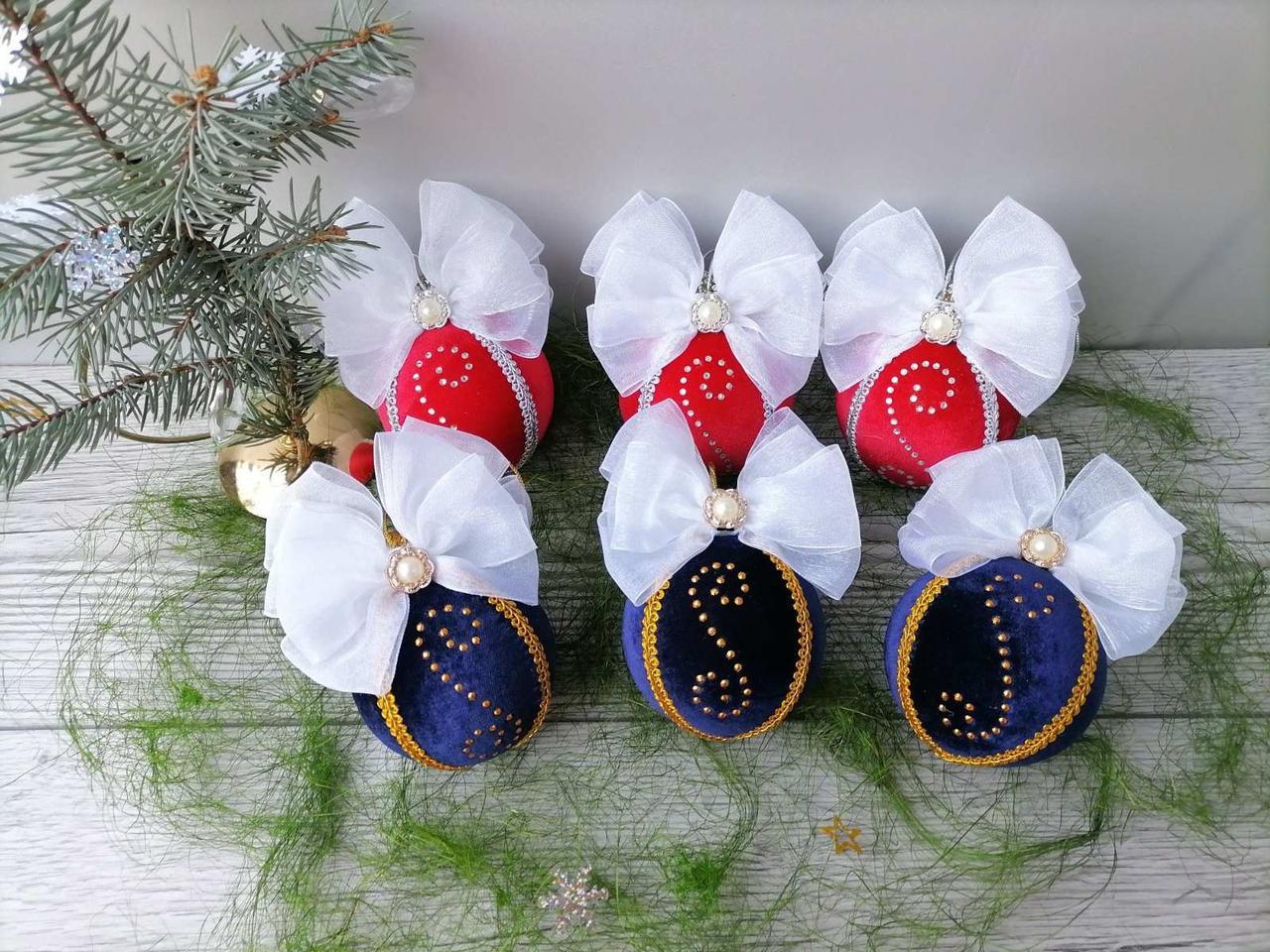 Новогодние шары на елку из бархата диам-8 см Ручная работа