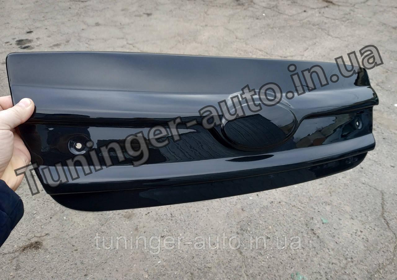 Зимняя накладка на решетку Hyundai Santa Fe 2006-2009 (Fly/Глянец)
