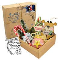 Подарунок від Діда Мороза, від Святого Миколая, коробка з сюрпризом, друку пошти, марка, сургучна печатка, бик