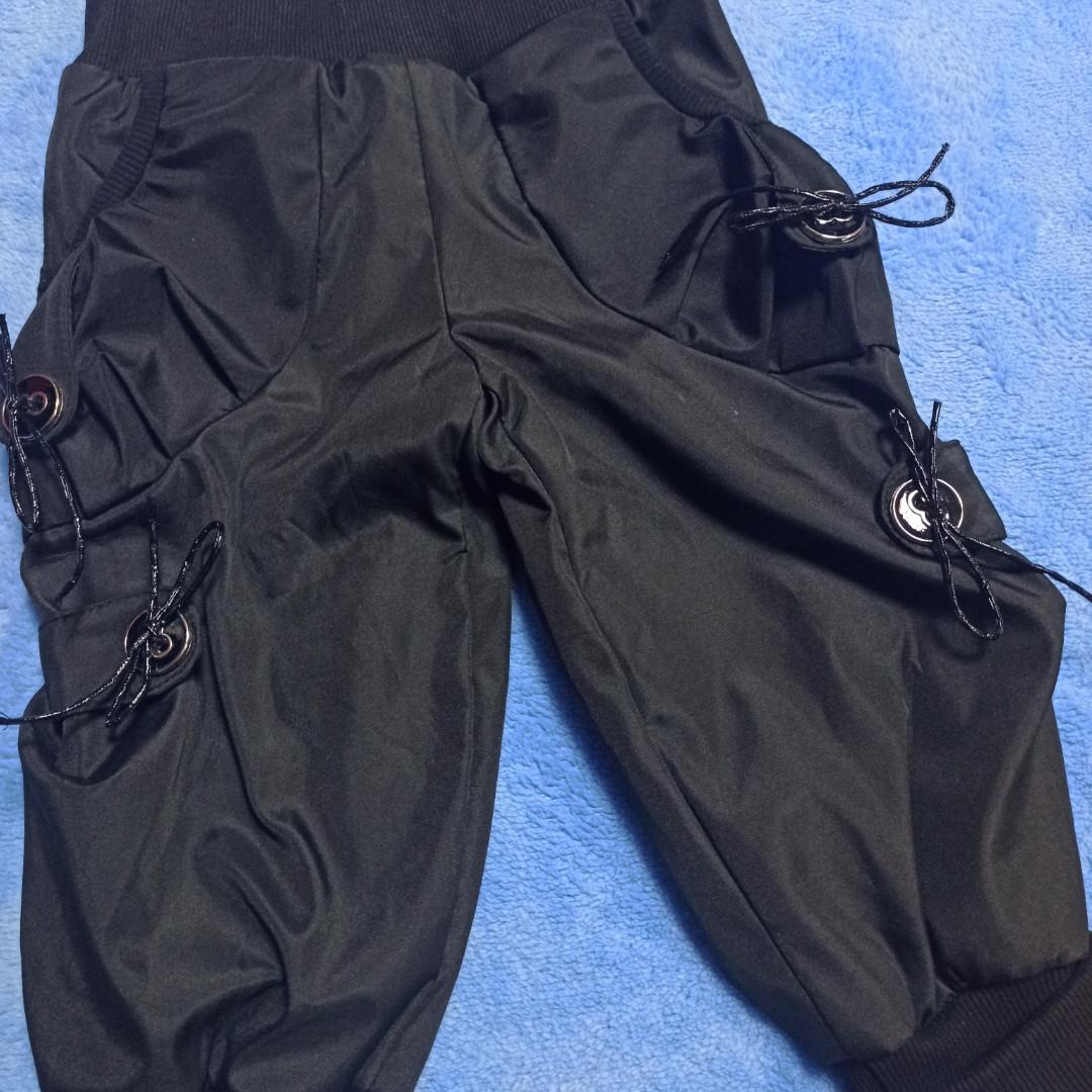 Модные теплые красивые бриджи для девочки черного цвета на флисе.