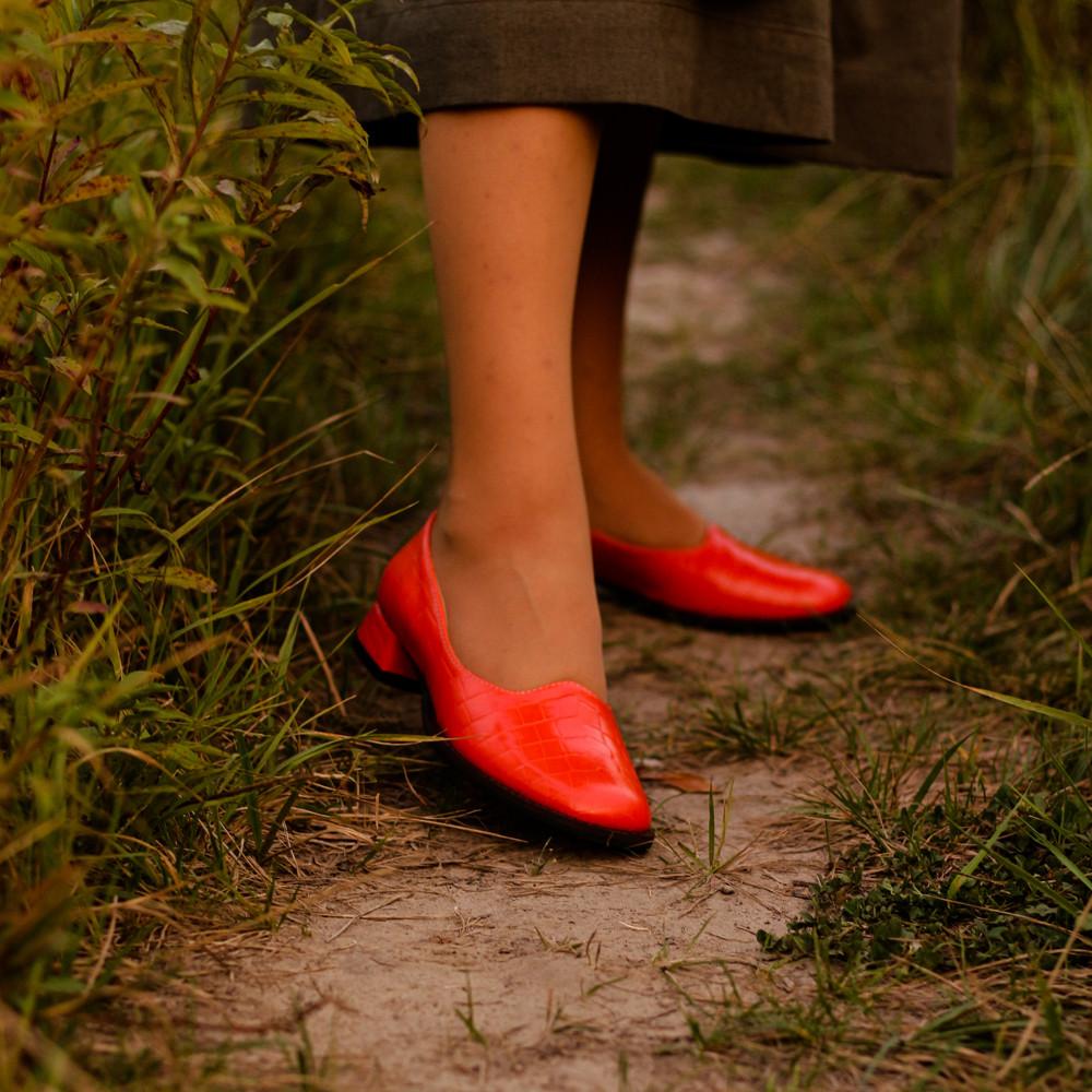 Глубокие туфли с квадратным носком и каблуком 2см, цвет морковный