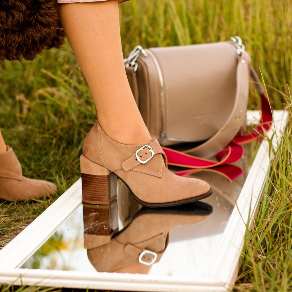 Глубокие туфли-монки с оригинальным каблуком 8см, цвет табако, в наличии размер 38