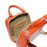 Сумка квадратной формы с двумя короткими ручками, цвет морковный кроко, фото 6