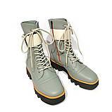 Ботинки на толстой подошве и ремешком по голени, цвет полынь, фото 3