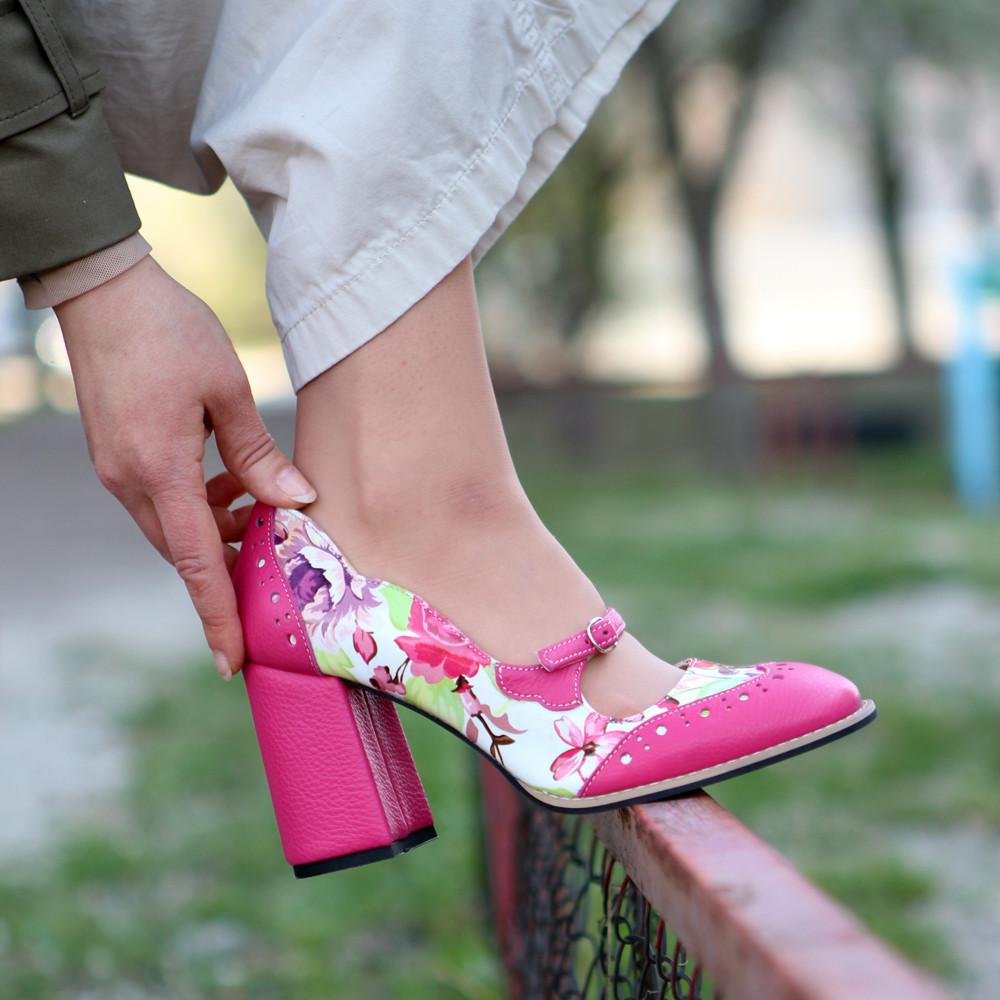 Туфли с тоненьким ремешком через подъем, каблук 8см, цвет фуксия