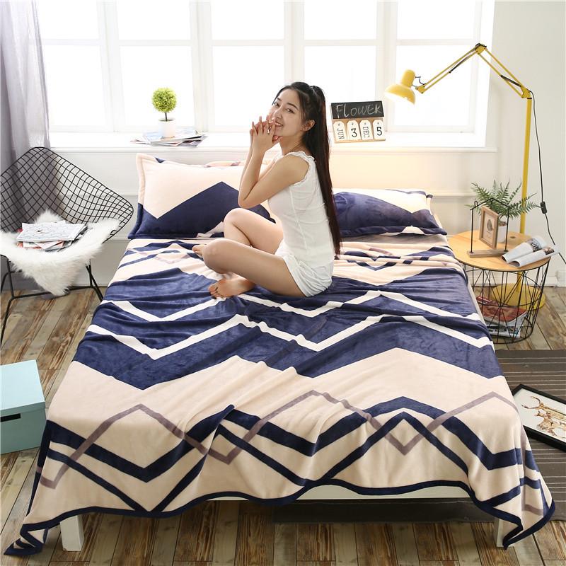 Плед покрывало 160х220 велсофт Зигзаг синий на кровать, диван