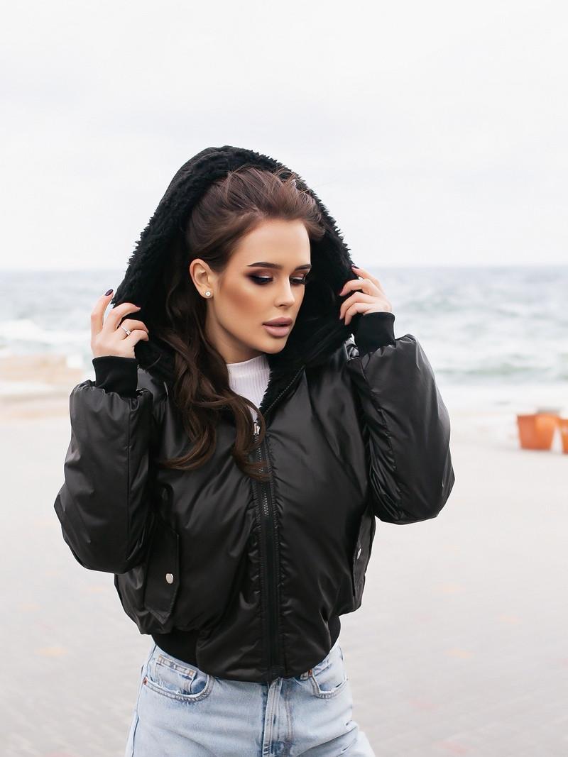 Жіноча зимове двостороння куртка (плащівка з водовідштовхувальним просоченням,друга-овчина)